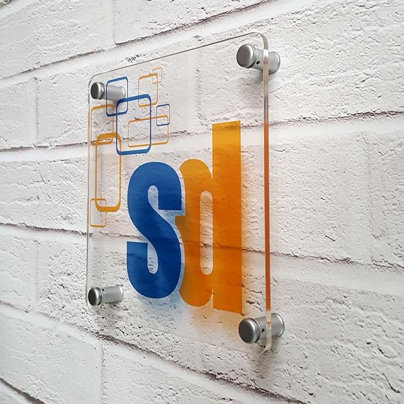 Targa in Plexiglass Quadrata - Stampa Trasparente - Angoli Stondati
