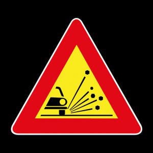 00000390 - Segnale di pericolo temporaneo - Materiale instabile sulla strada - Figura 390